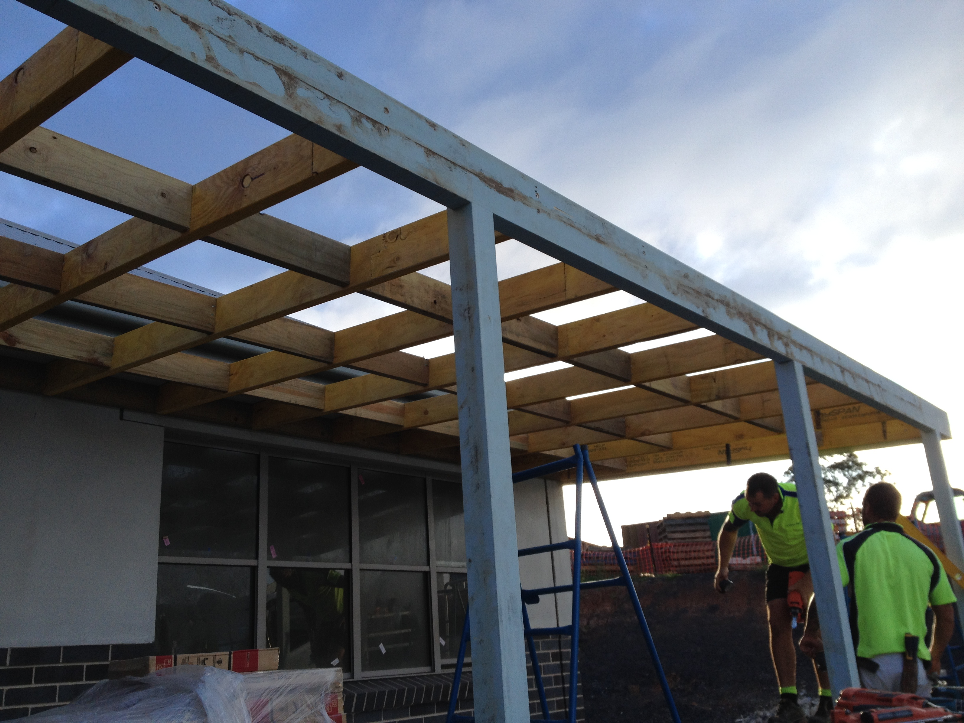 Queensland timber pergolas carports and verandas for Timber carport plans
